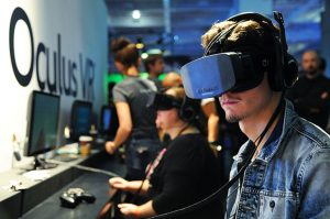 oculus-rift-headset-conference-2013-billboard-650